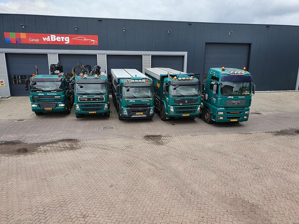 loonbedrijf voorkant vrachtwagens